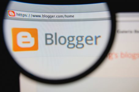 The Blogger Divide: Converters or Brand-Builders?